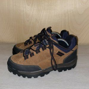 Thom McAn Suade Low Cut Hiking Boot Size: 9